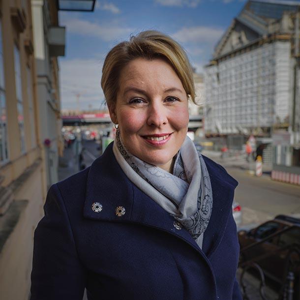 Franziska Giffey (SPD), BM für Familie, Senioren, Frauen und Jugend, Foto: Hermann Bredehorst