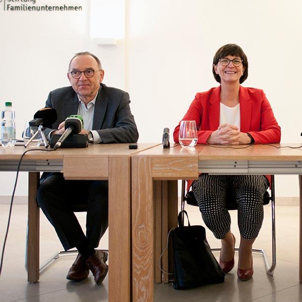 Norbert Walter-Borjans und Saskia Esken, Bundesvorsitzende der SPD, Foto: Emilio Esbardo